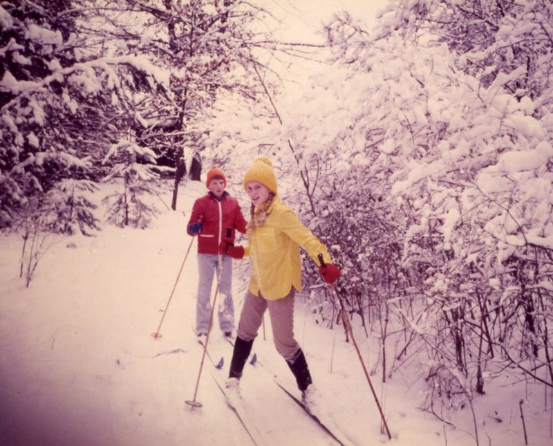 Amy and Bruce on skis